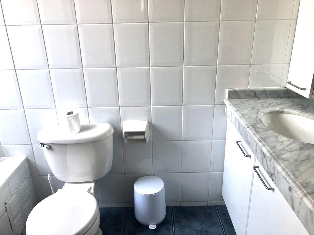 17 de 29: Baño en suite