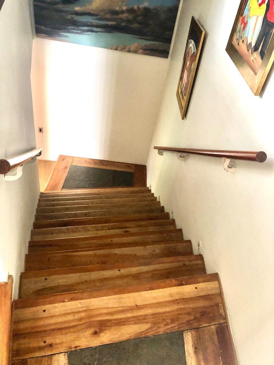 18 de 29: Subida escalera