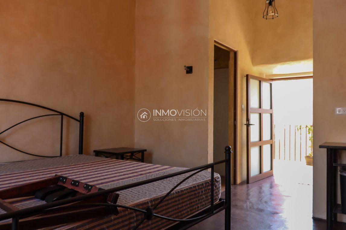 18 de 50: Interior habitaciones y mobiliario