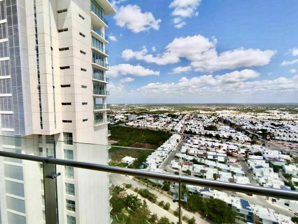 2 de 37: Departamento en Venta Country Towers, Mérida, Chichen Realty