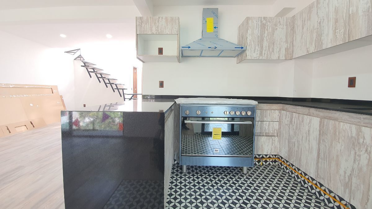 11 de 27: Acabados piso cocina. VENTA-CONDESA-PH-CARMEN-LABORIN