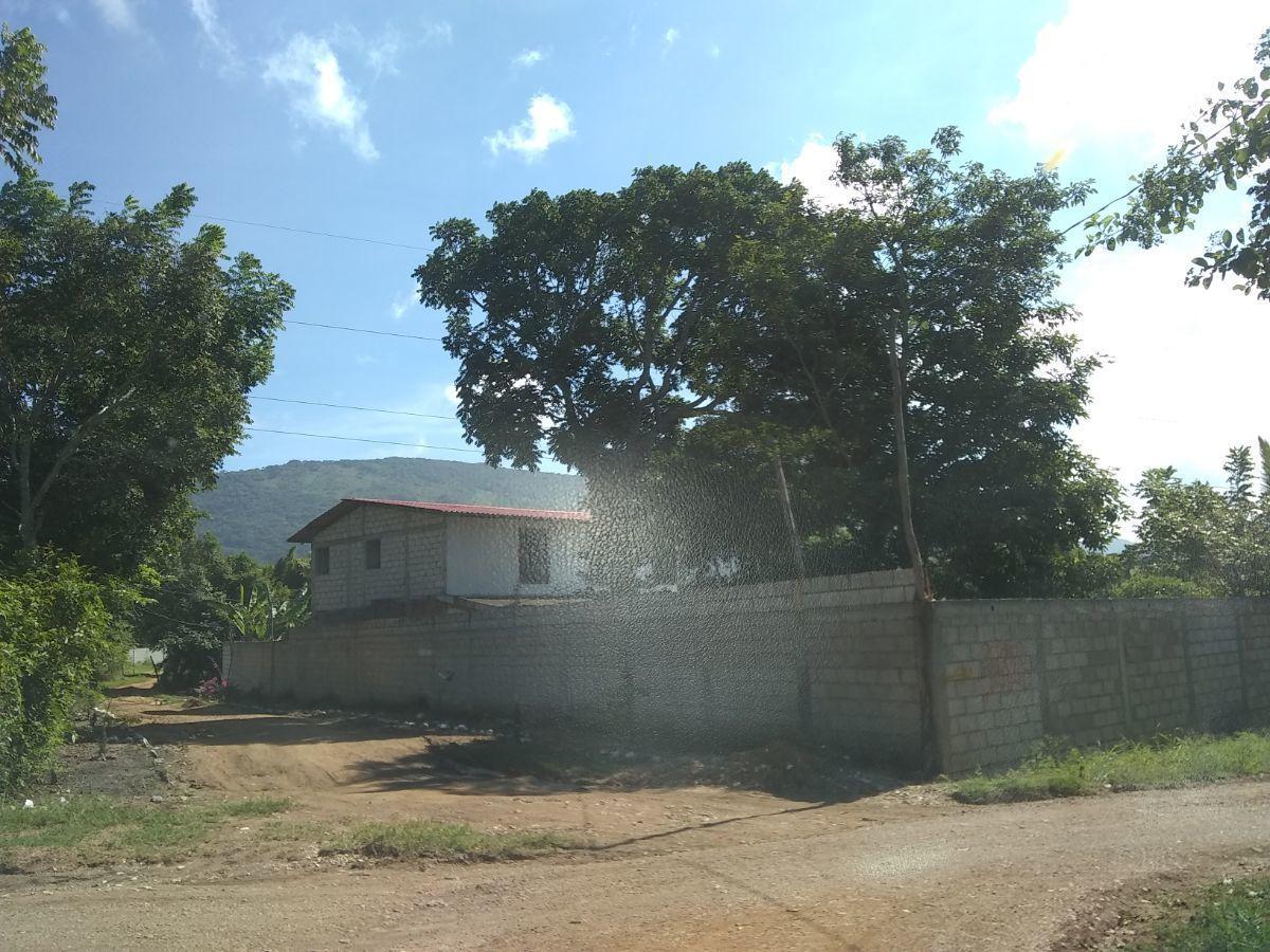 11 de 12: Casas cerca del terreno