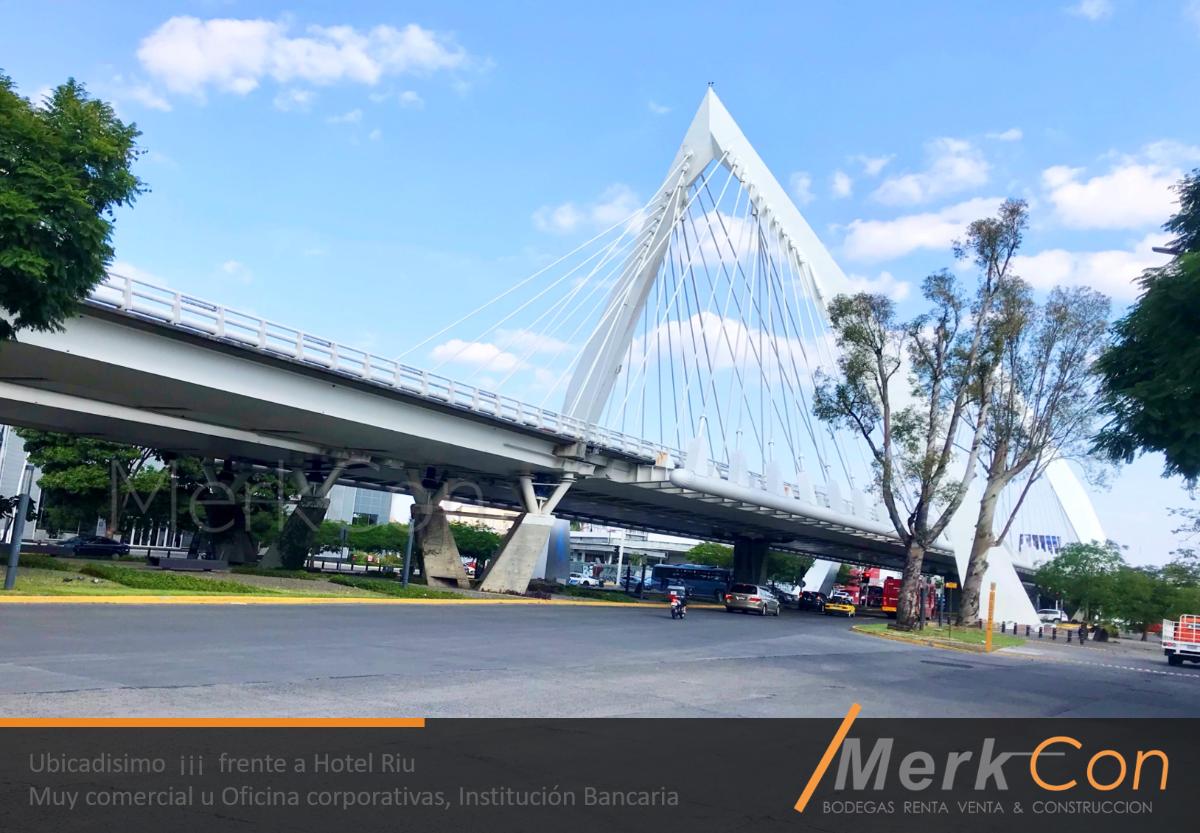 2 de 14: Vista Lazaro Cardenas Puente matute y hotel Riu