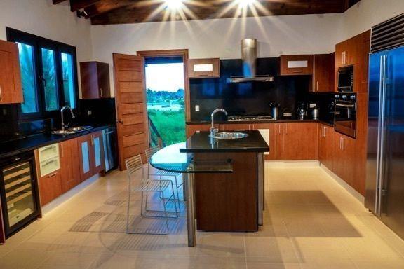 3 of 17: Beautiful 6 bedroom Villa in Punta Majagua