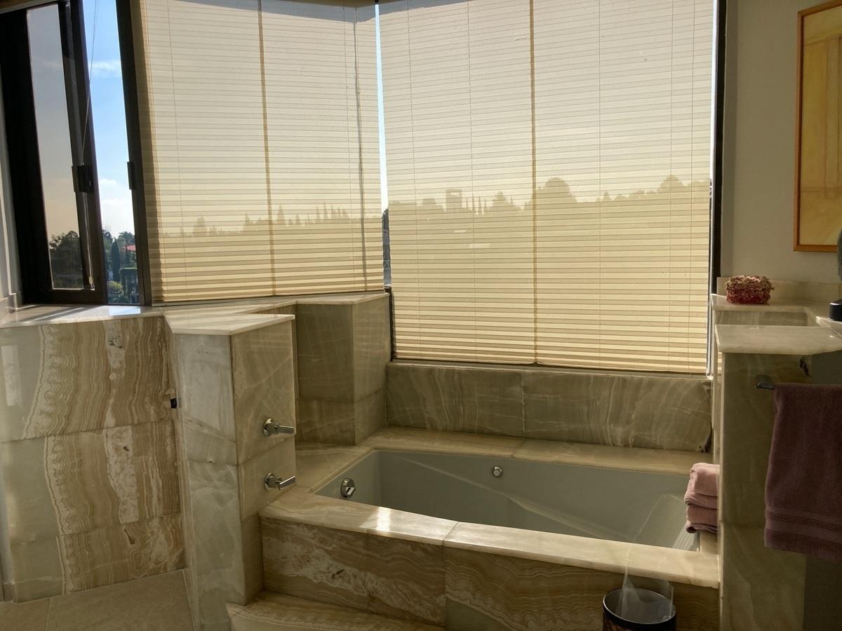 48 de 51: baño principal