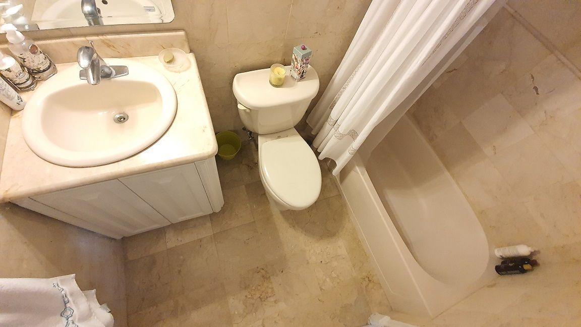 12 de 16: Baño habitación secundaria