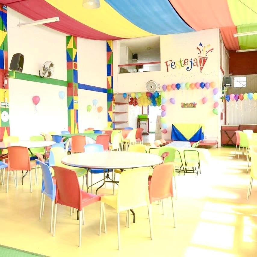3 de 15: Area de invitados