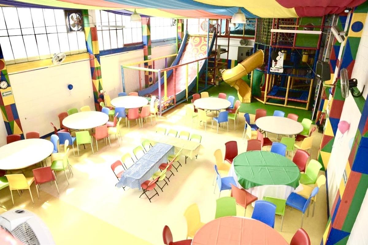 2 de 15: Area de invitados