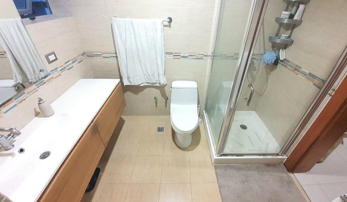 13 de 14: Baño habitación principal