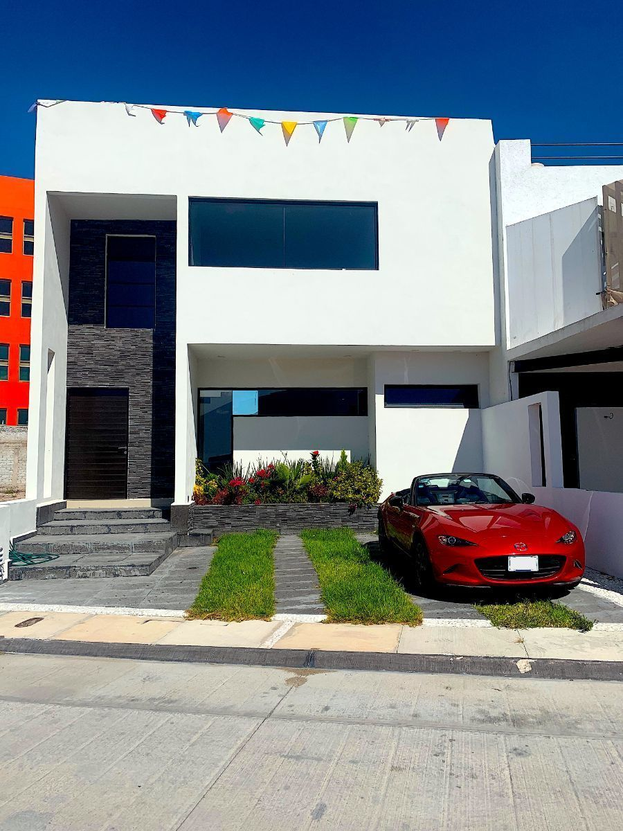 1 de 9: Estacionamiento para 2 vehículos