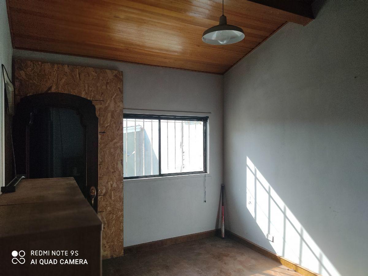 17 de 21: recamara 2 con balcón (tapado)
