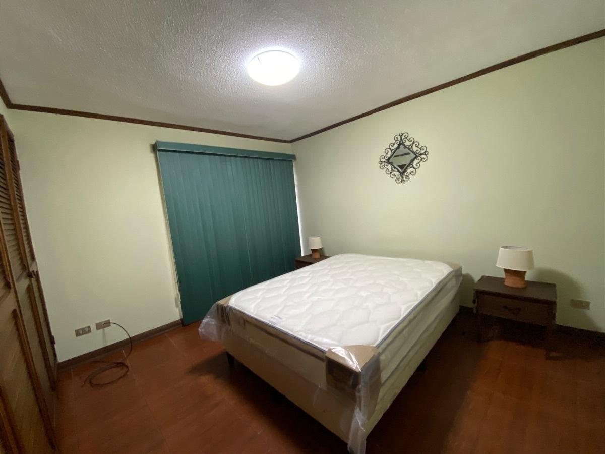 7 de 9: Dormitorio principal
