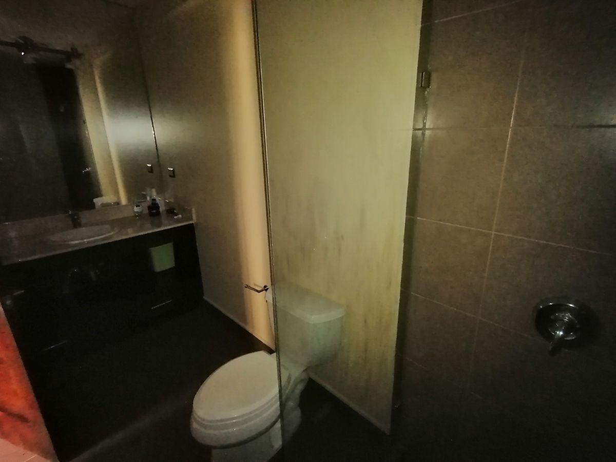 8 de 23: Baño de dormitorio 3