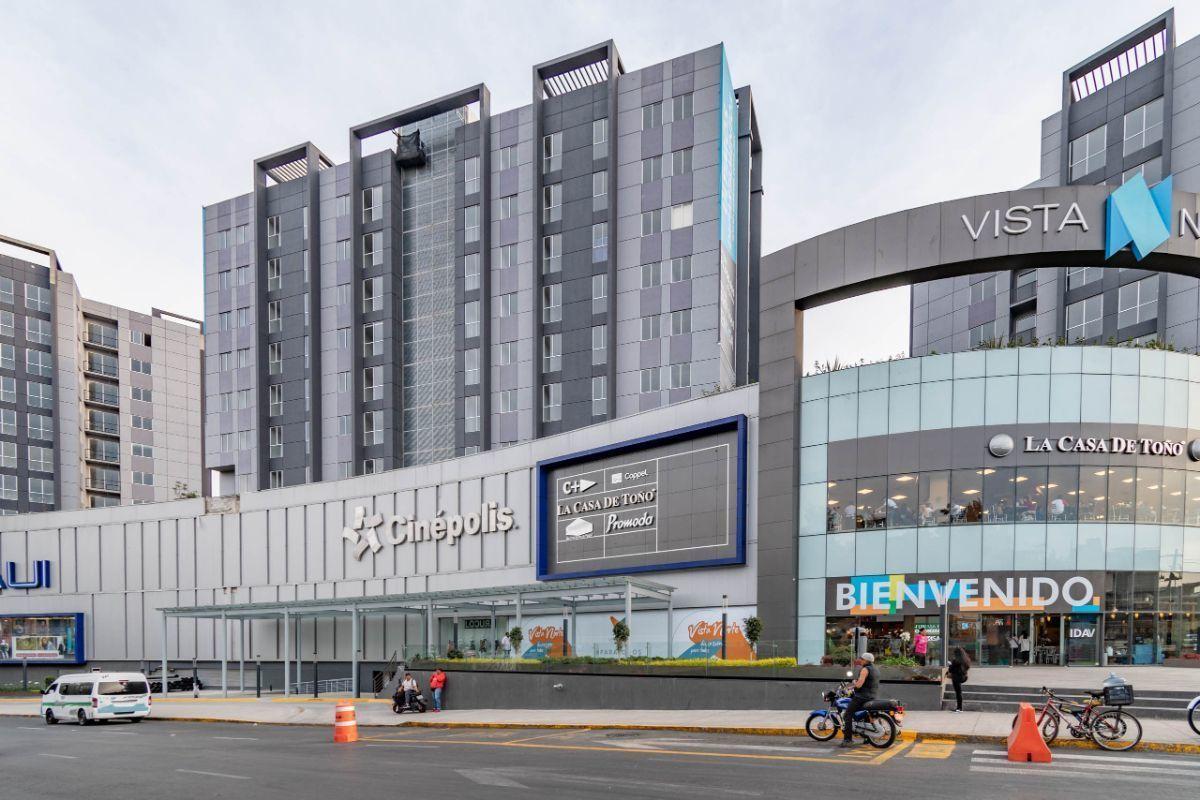 12 de 12: Centro Comercial