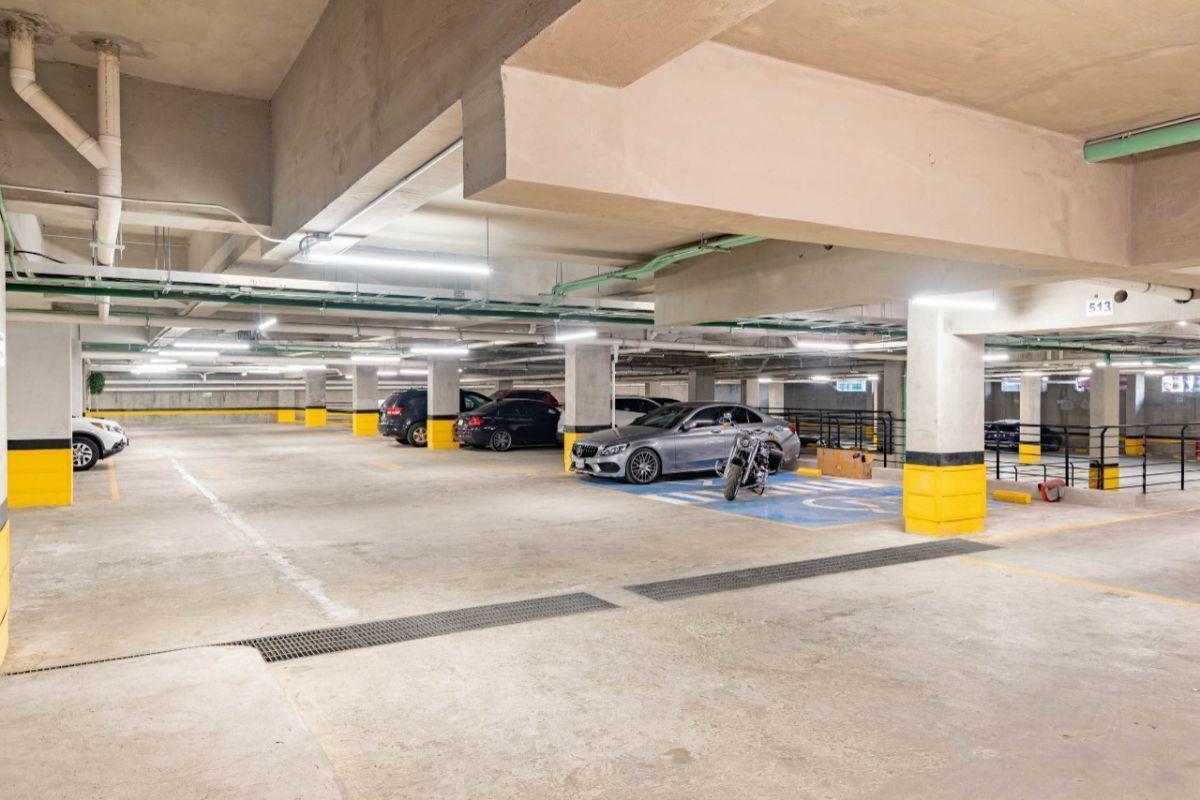 28 de 31: estacionamiento sin estorbos