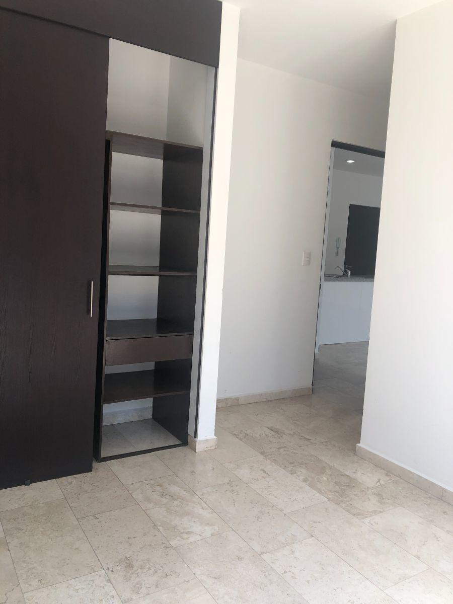 13 de 24: Closet habitación principal B