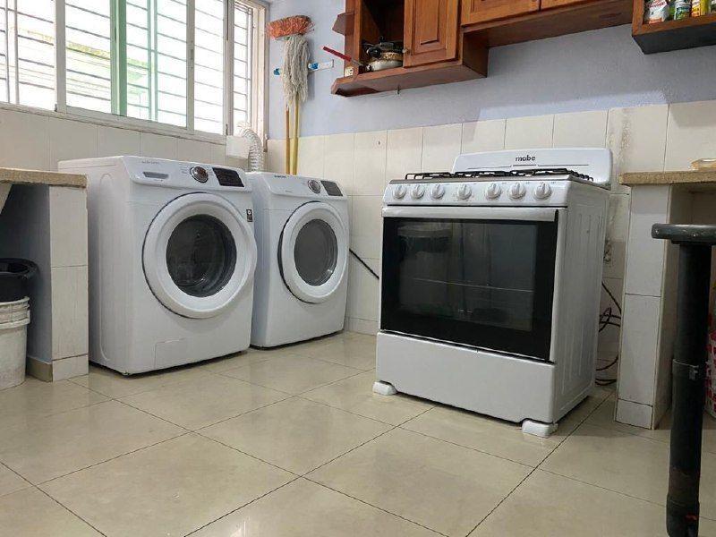 14 de 18: cocina caliente y area de lavado