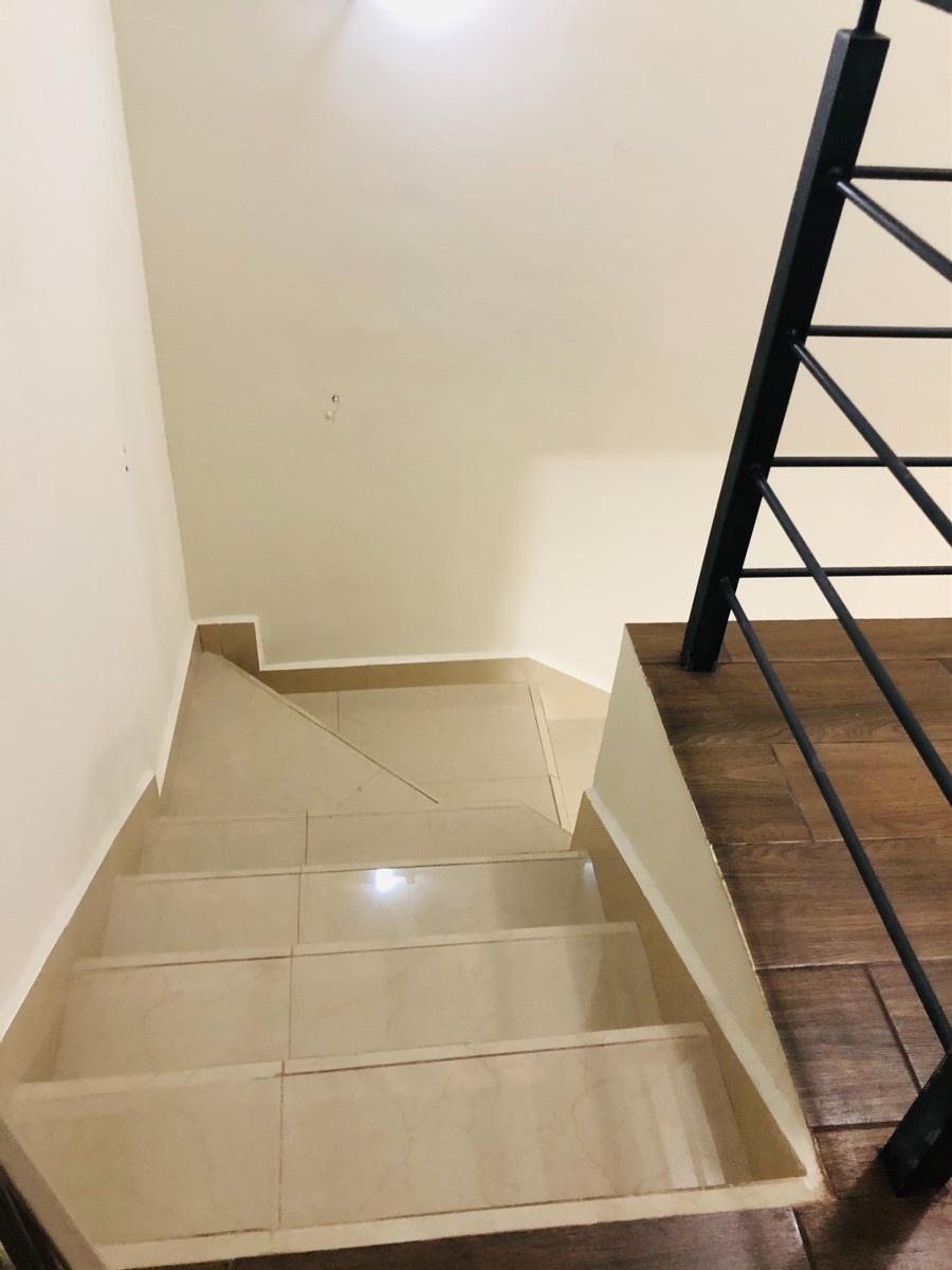 17 de 17: Escaleras