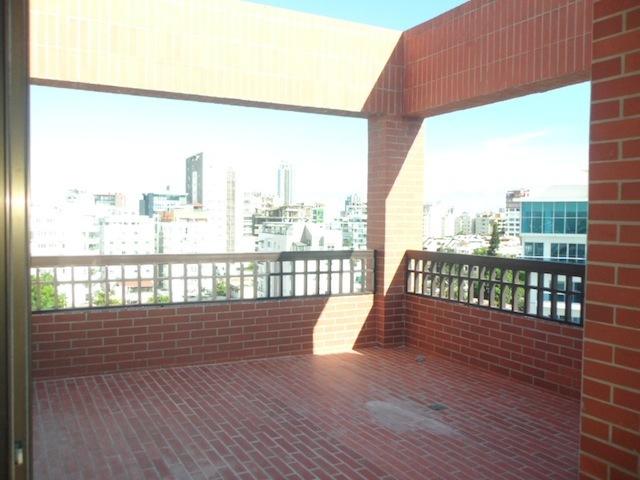 13 de 14: Terraza común abierta en el último nivel