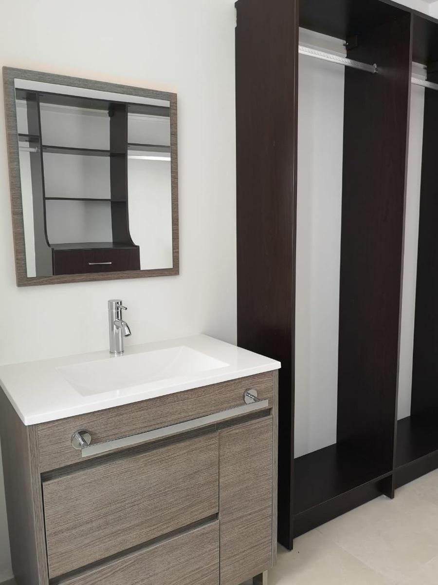 15 de 29: Baño habitación principal