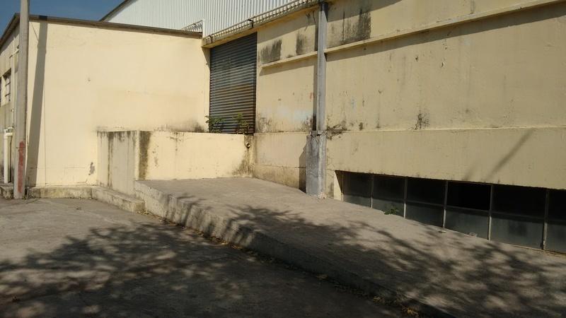15 de 15: Bahía Carga / Descarga