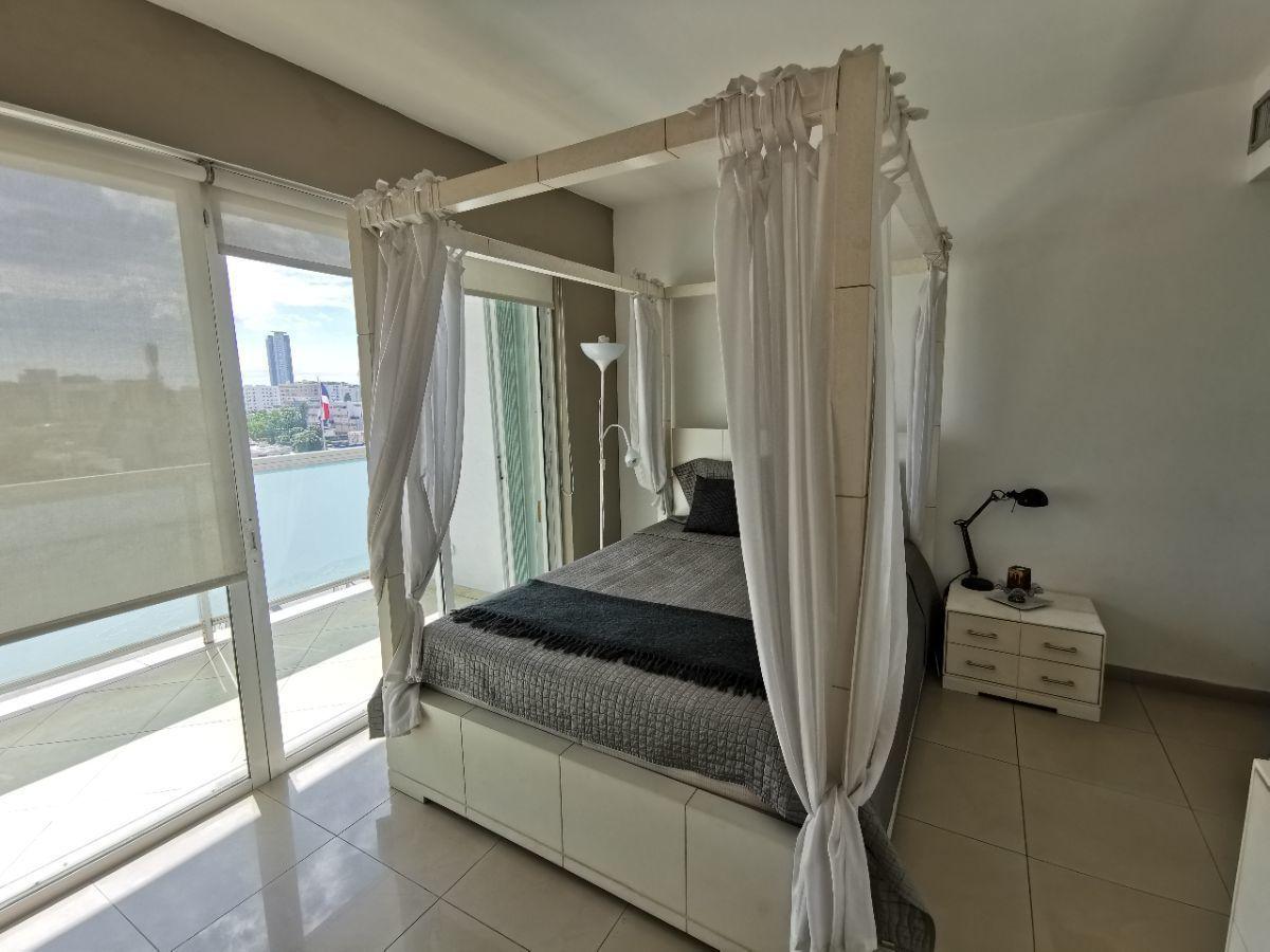 22 de 28: Habitacion secundaria con balcon vista mar