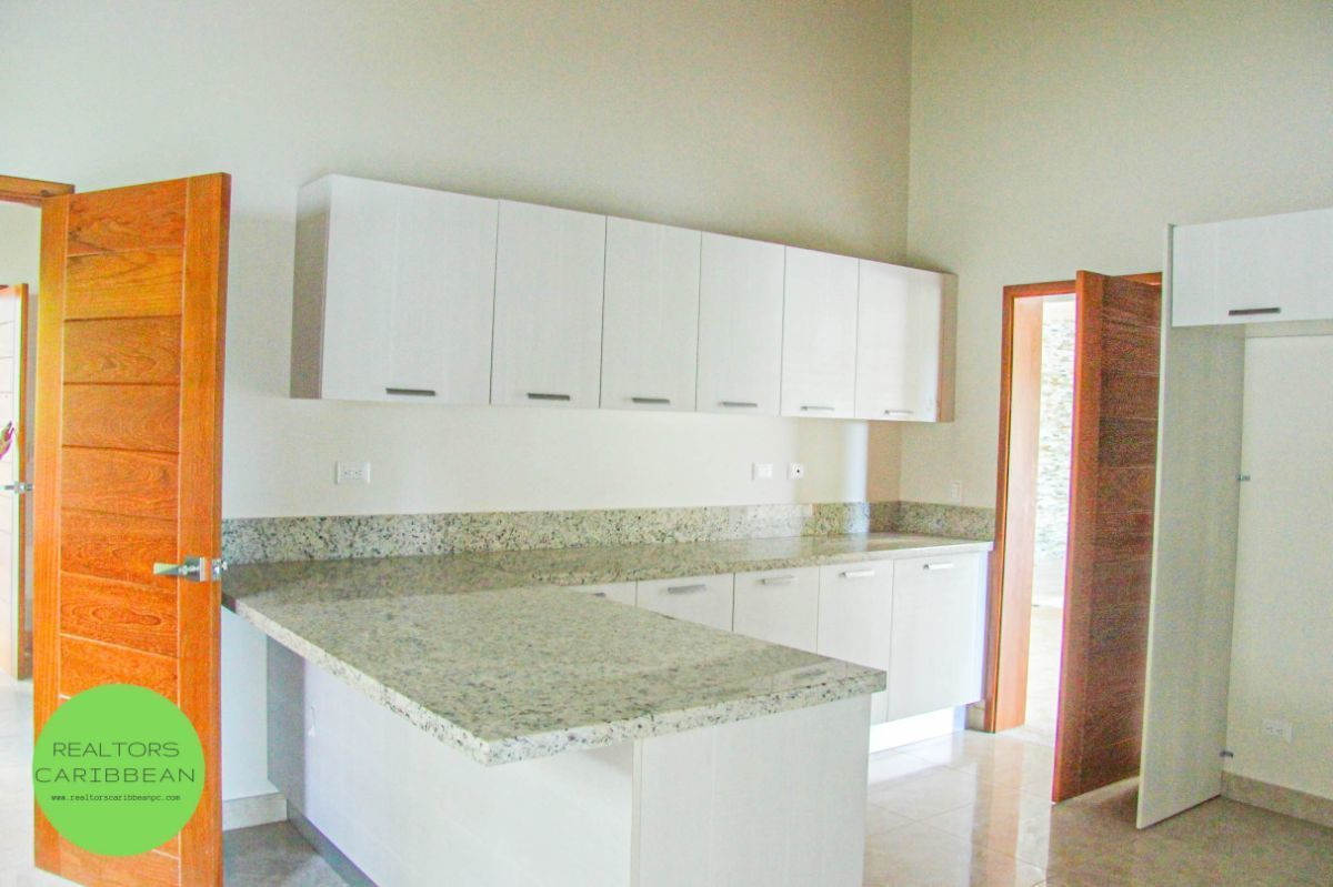 10 de 18: Villa punta blanca punta cana 4 dormitorios 2 niveles piscin