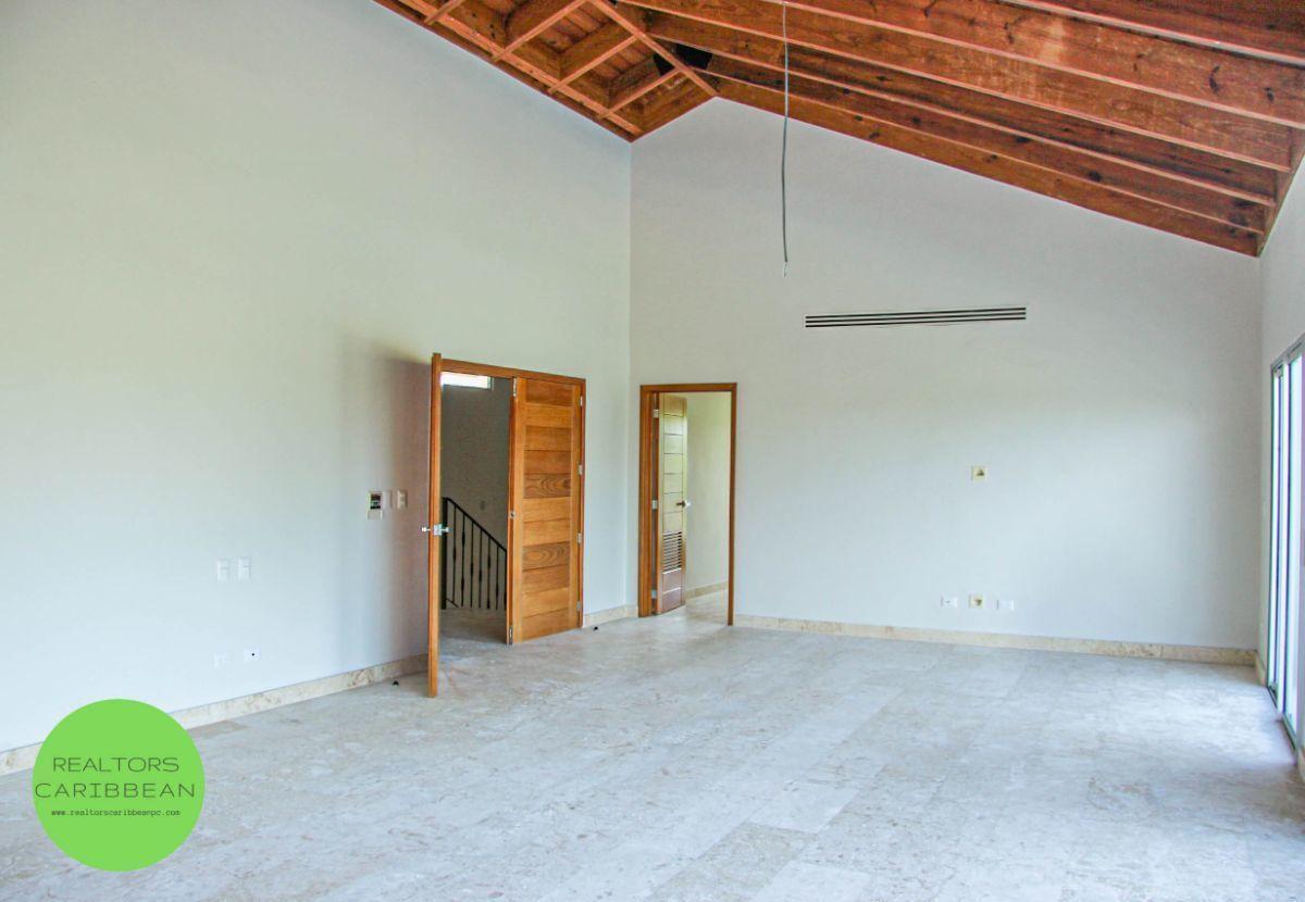 13 de 18: Villa punta blanca punta cana 4 dormitorios 2 niveles piscin