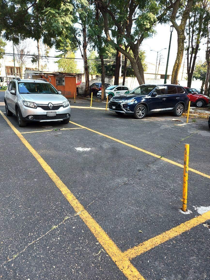 13 de 15: Cajón de estacionamiento