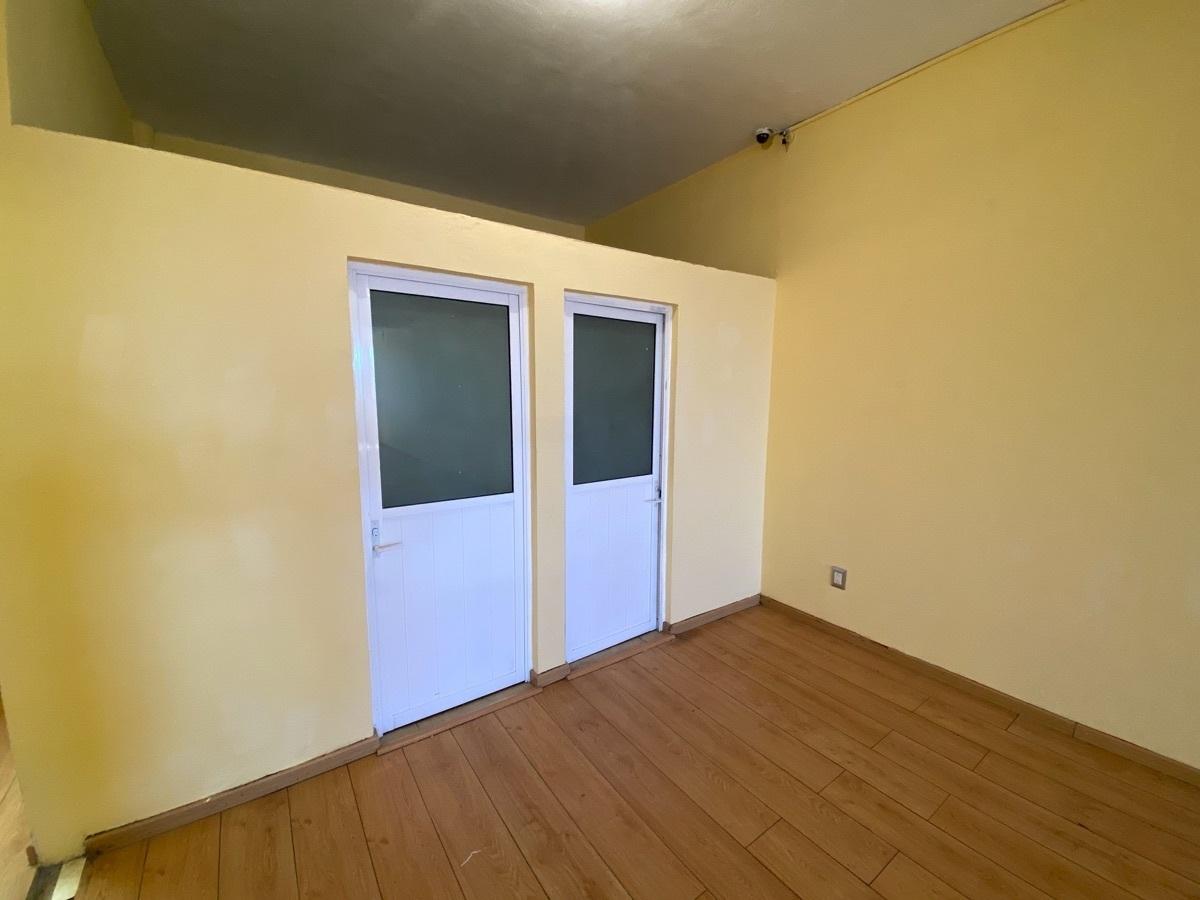 10 de 15: Edificio de 2 niveles - Habitacional  + Comercial