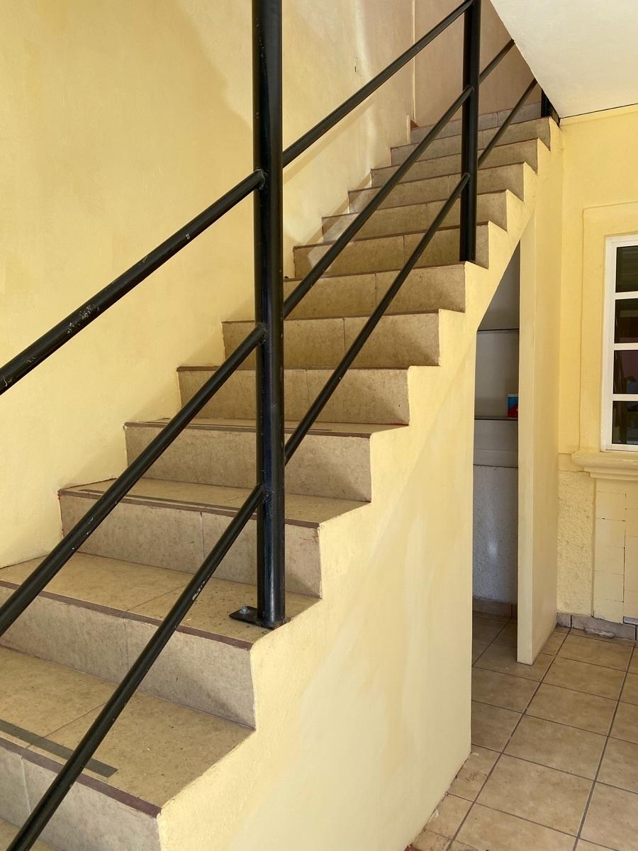 8 de 15: Edificio de 2 niveles - Habitacional  + Comercial