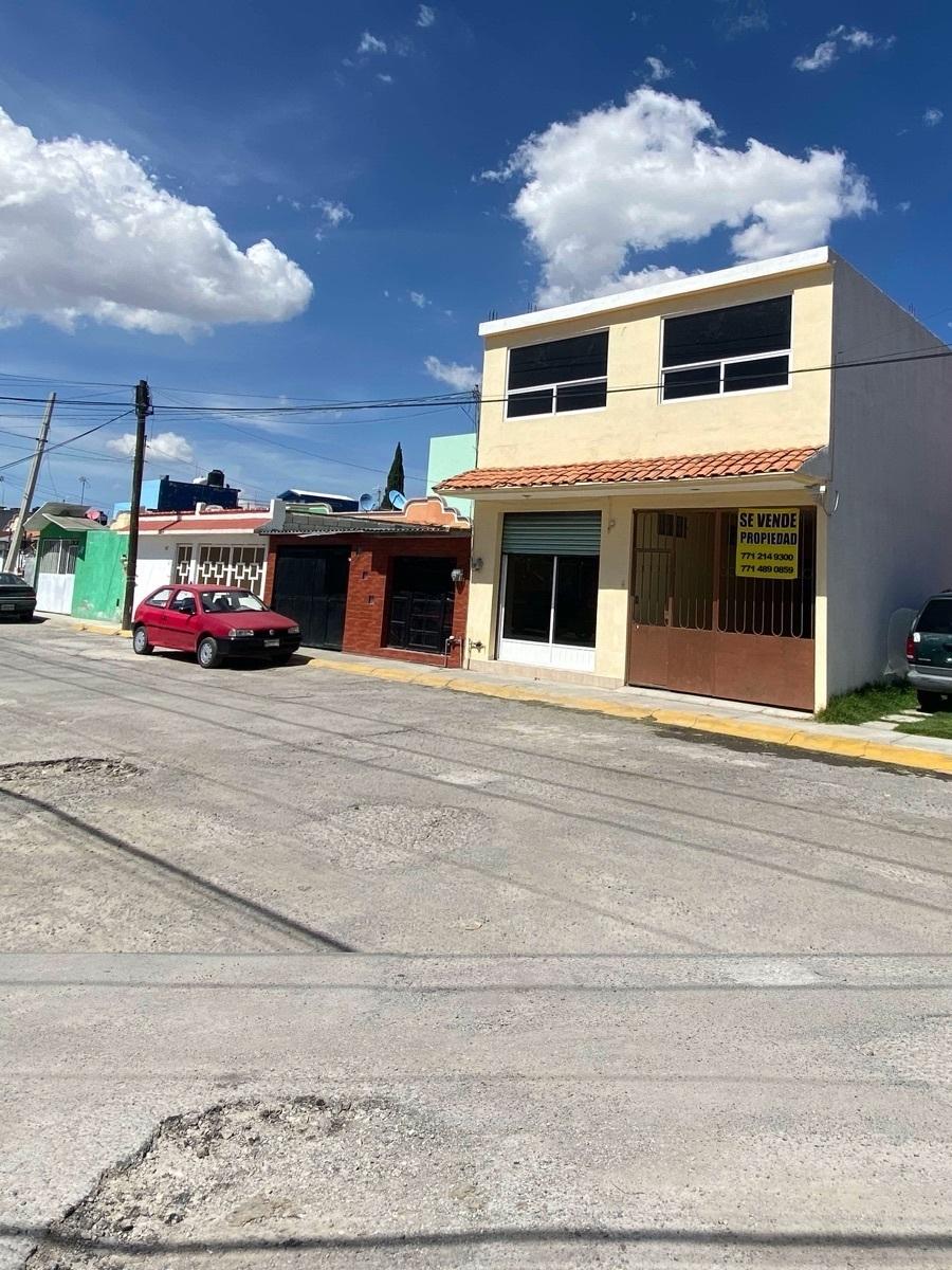 2 de 15: Edificio de 2 niveles - Habitacional  + Comercial