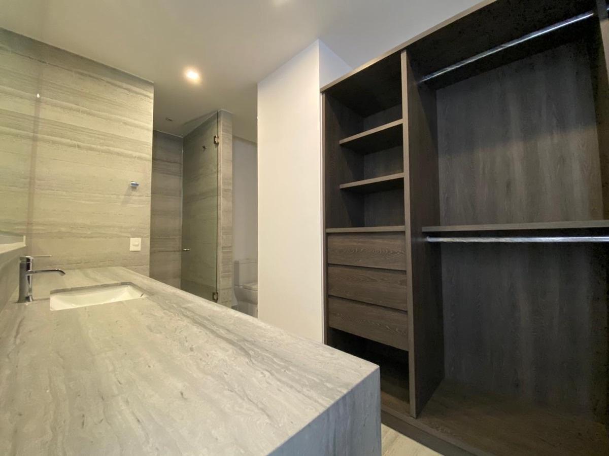 13 de 40: Baños con vestidor 2 recámara