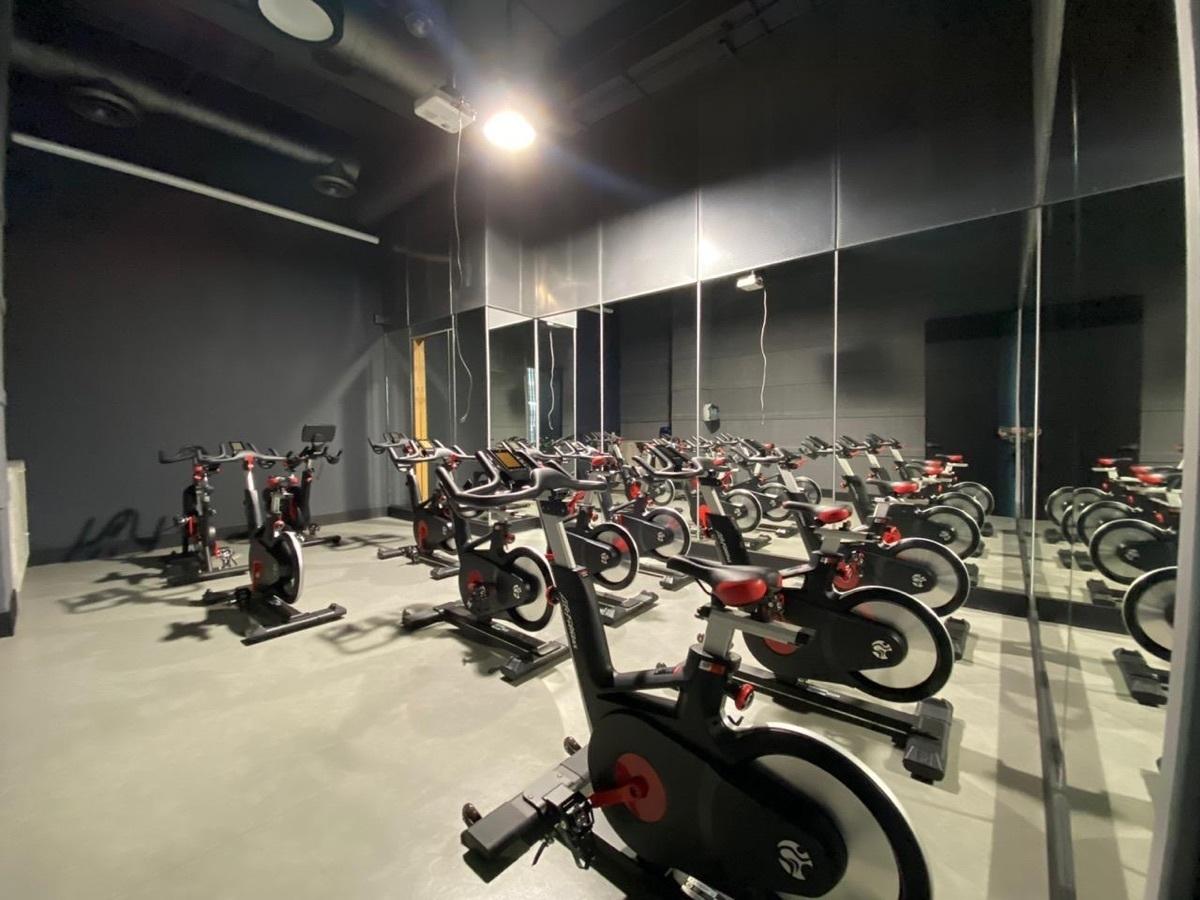 29 de 40: Salón de spinning