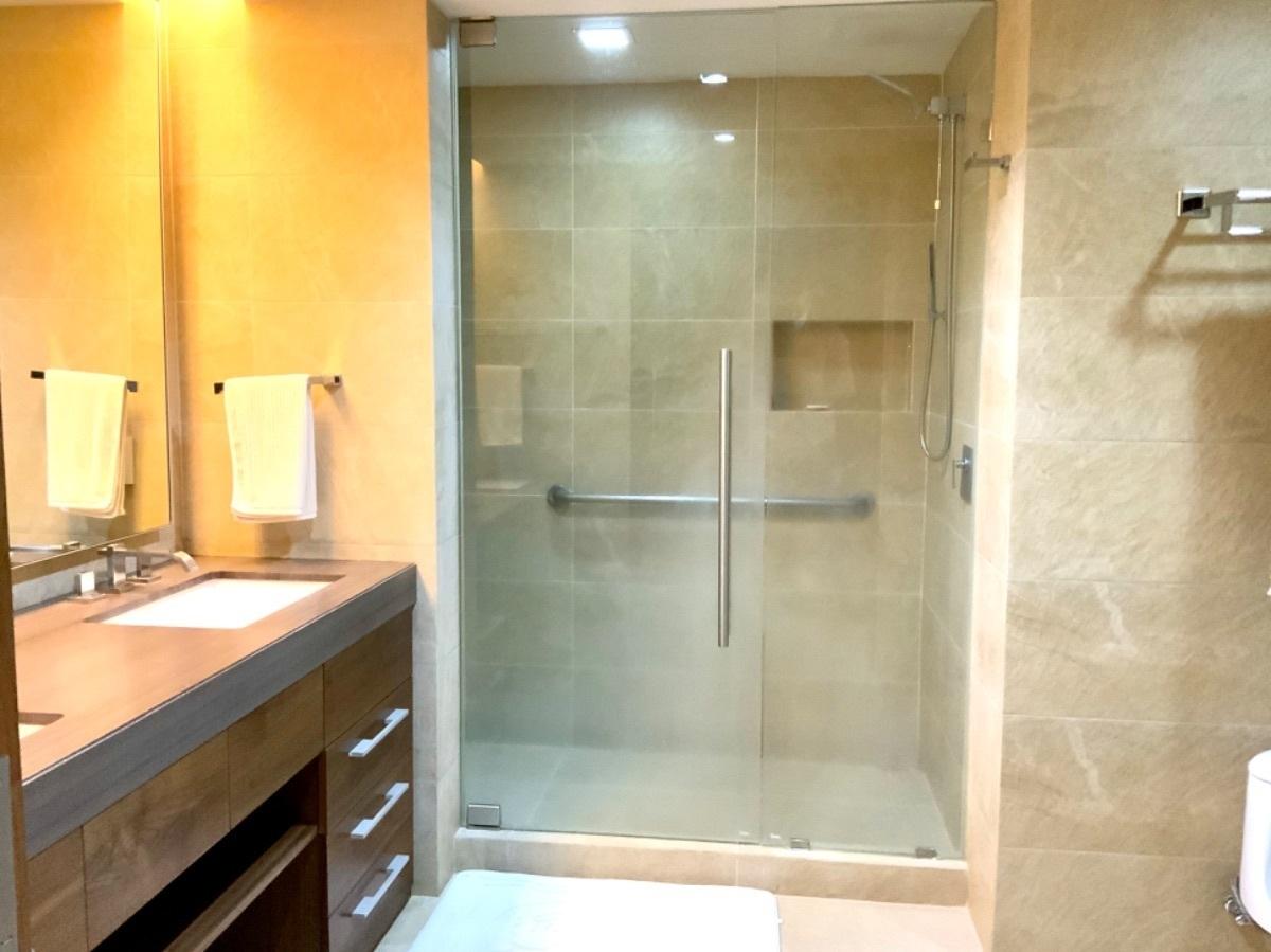 10 de 35: Baño principal