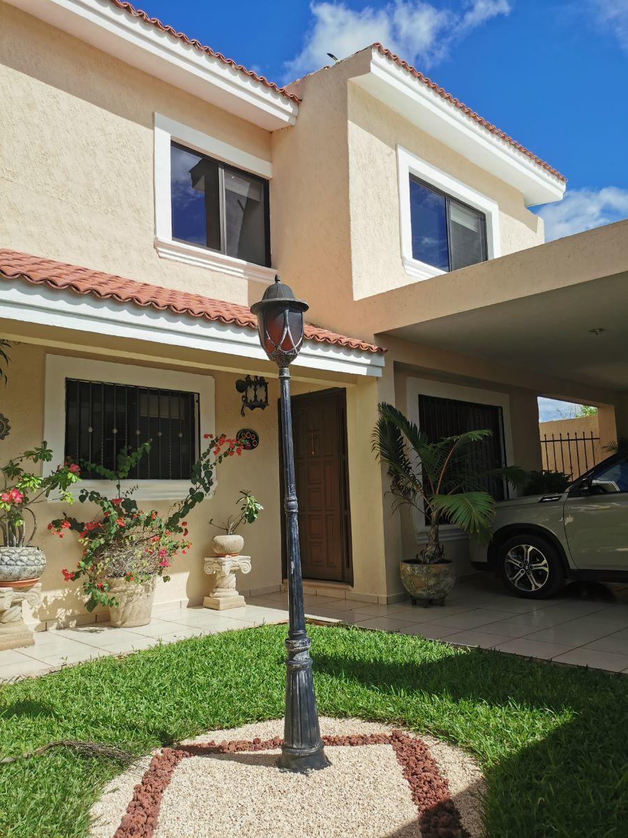 3 de 23: Casa en Venta Jardines Vista Alegre, Mérida, Yucatán.