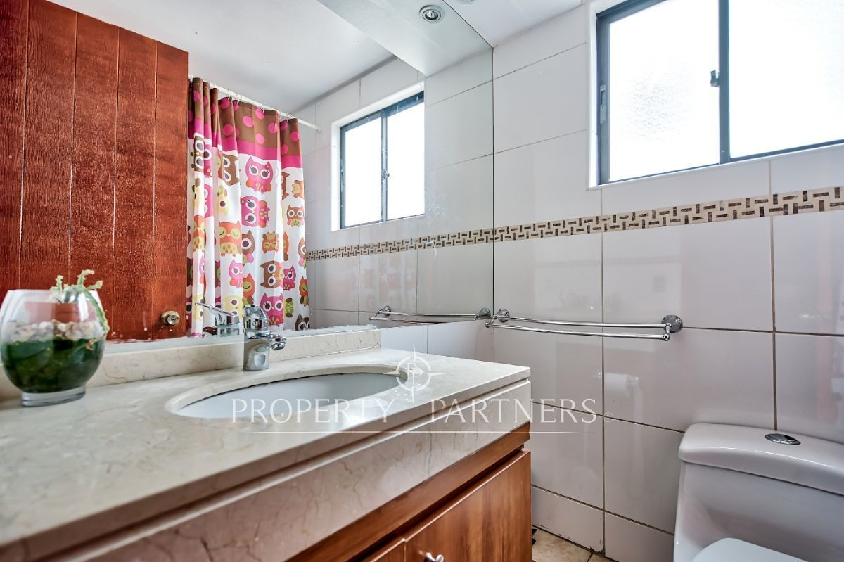11 de 16: Baño segundo piso