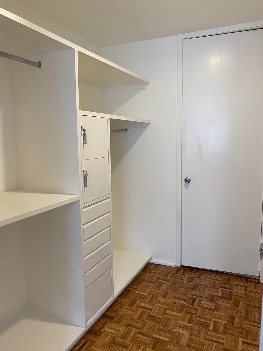 9 de 23: Walk in closet recámara principal