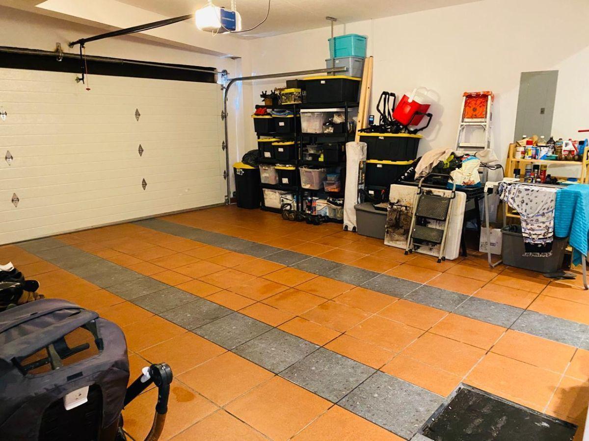 15 de 15: Garage