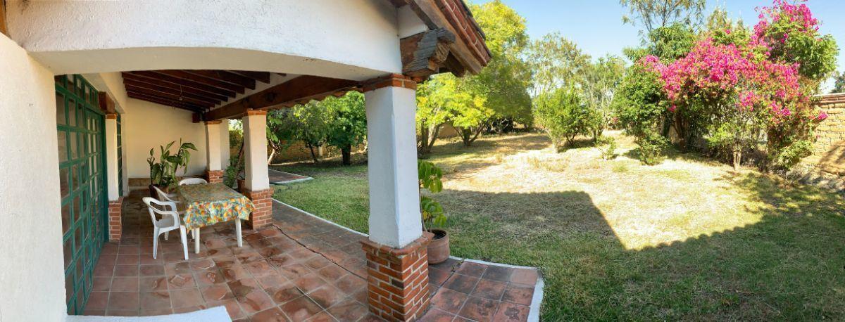 14 de 16: Terraza con vista al jardín