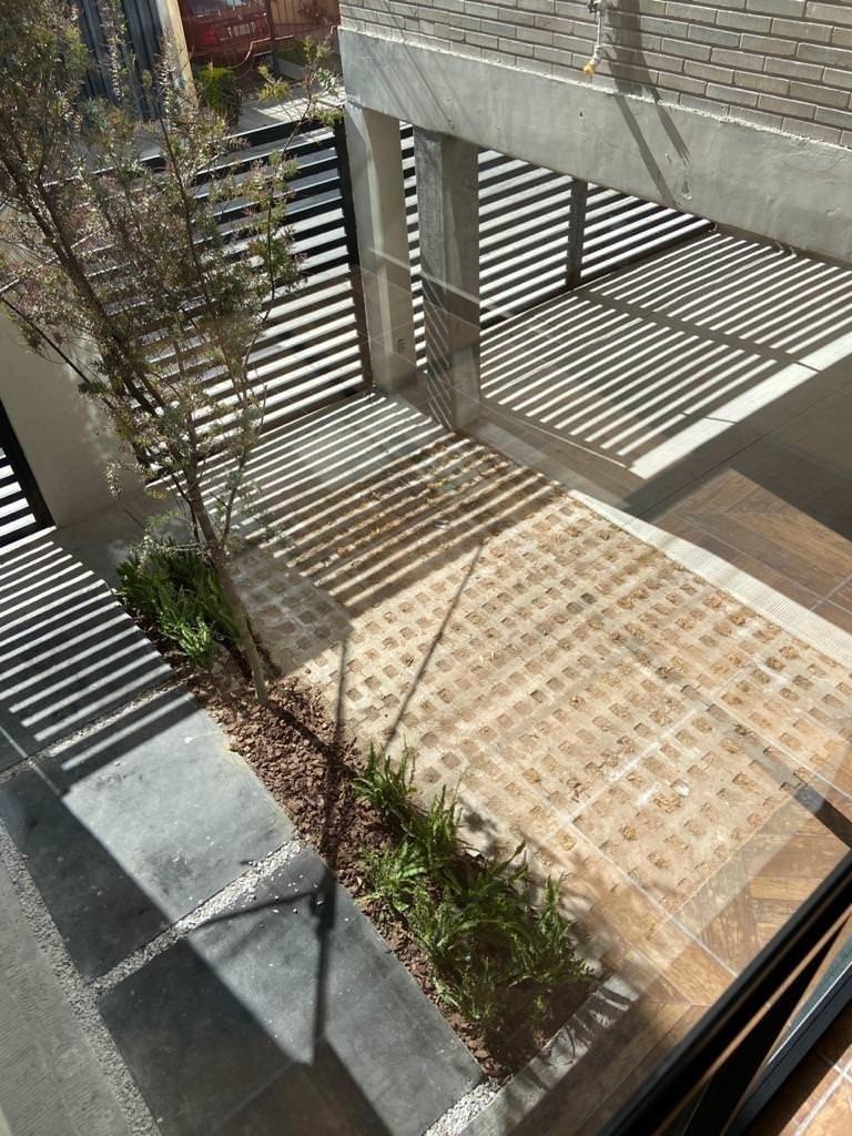 30 de 44: Portones individuales con apertura eléctrica - Areas verdes