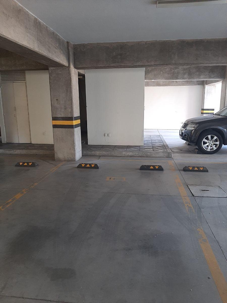 6 de 22: cajón de estacionamiento