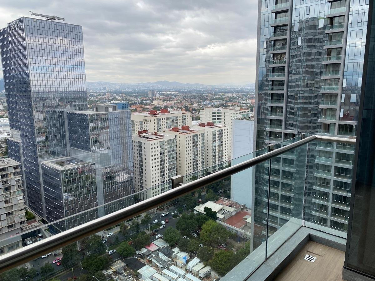 21 de 31: Balcón y vista