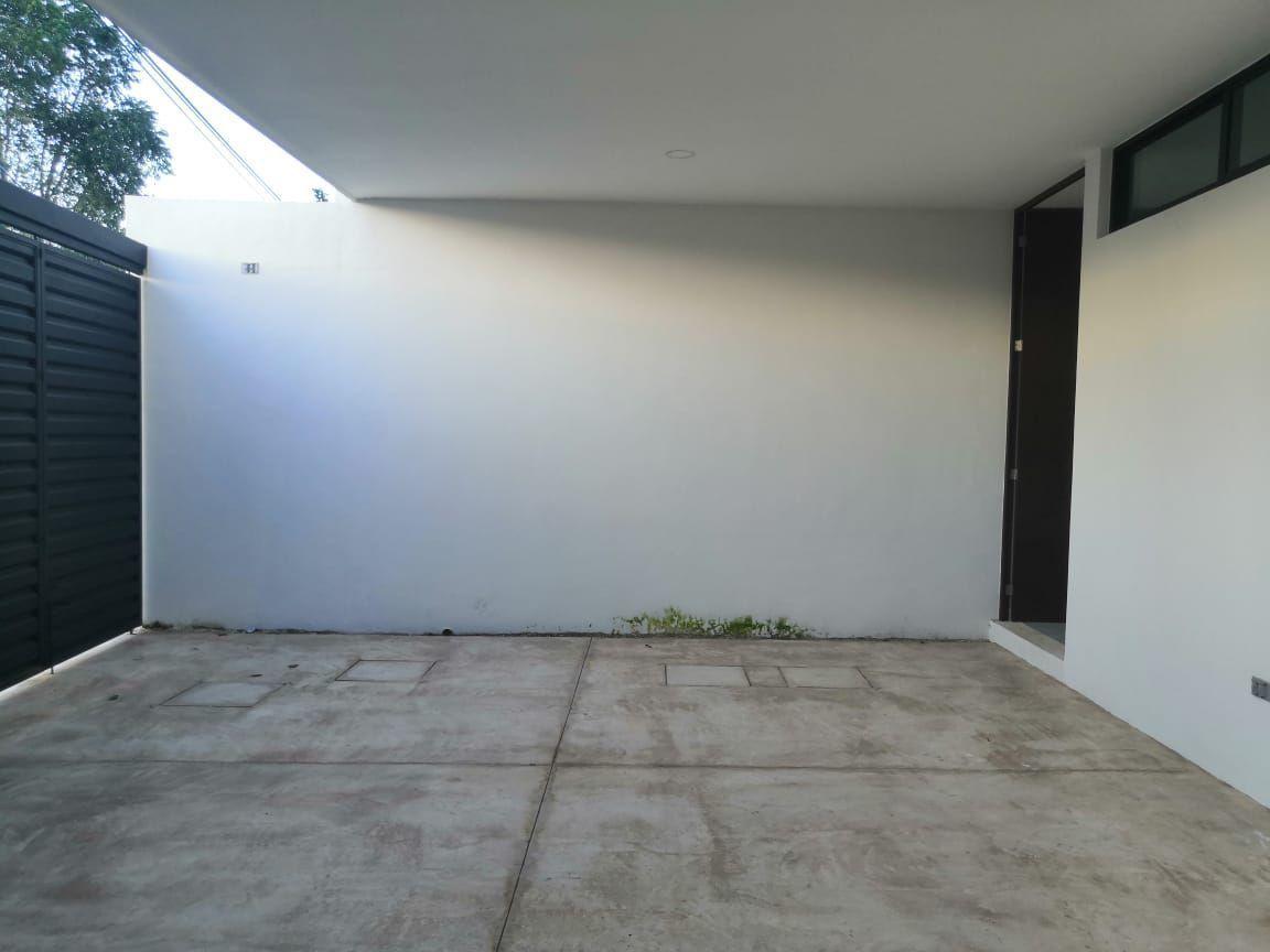 27 de 27: Garage Techado