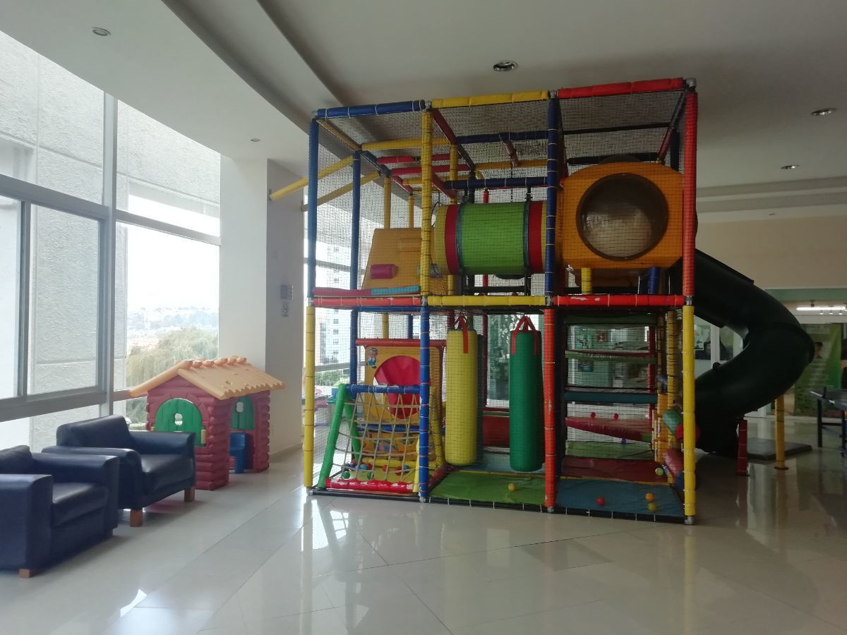27 de 38: Zona recreación infantil interior