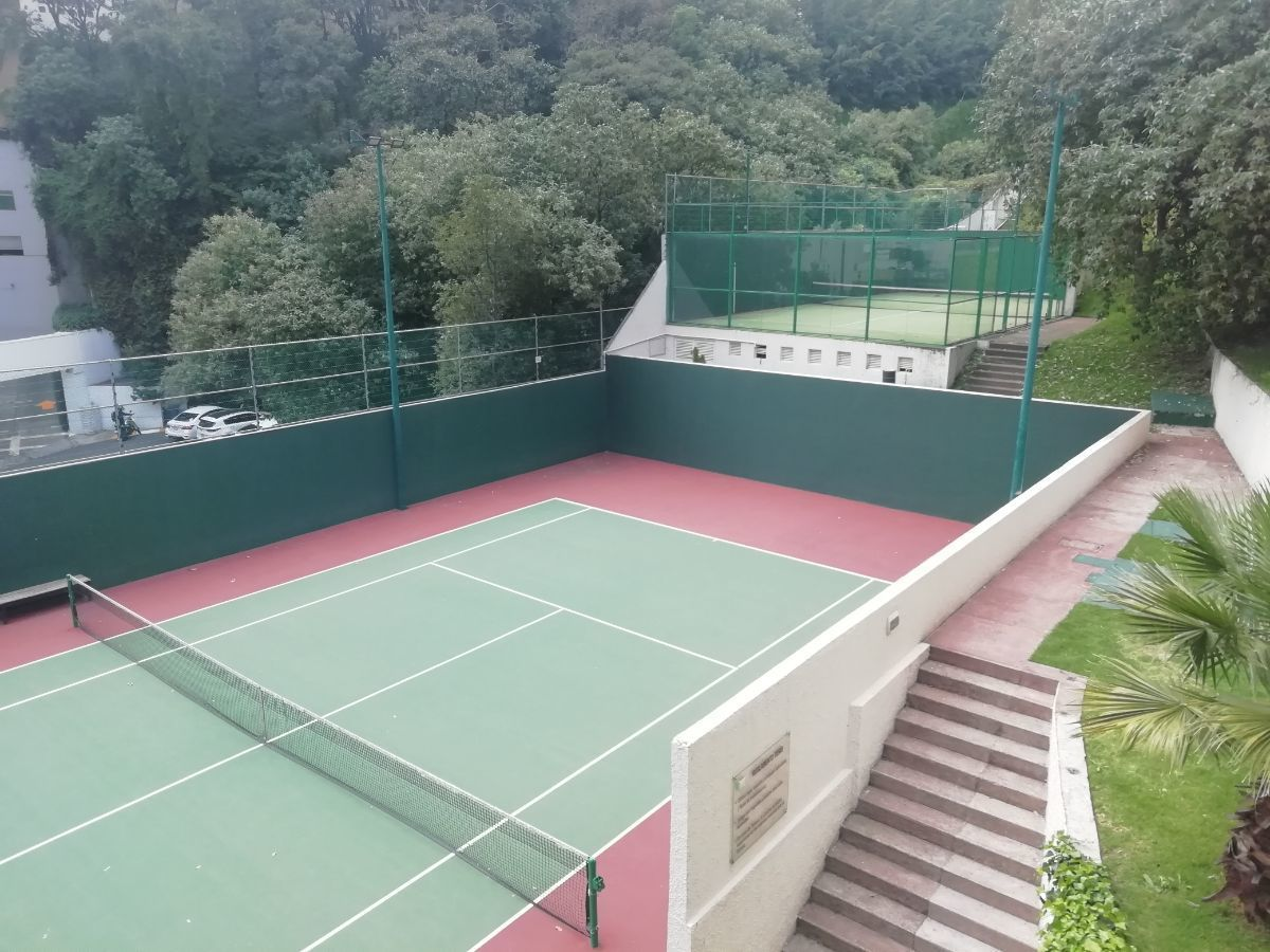 36 de 38: Cancha de tennis, squash, Paddle y multiple.