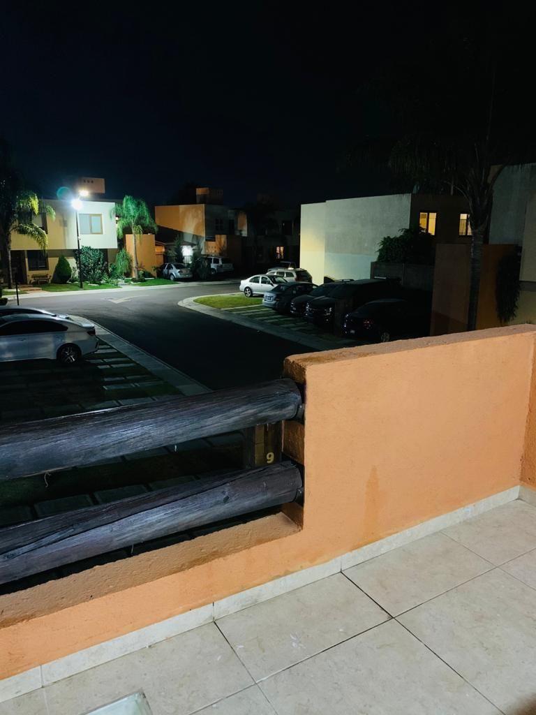 12 de 16: balcon terraza
