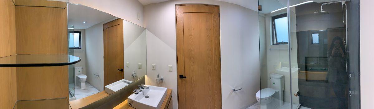 13 de 26: Baño recámara principal