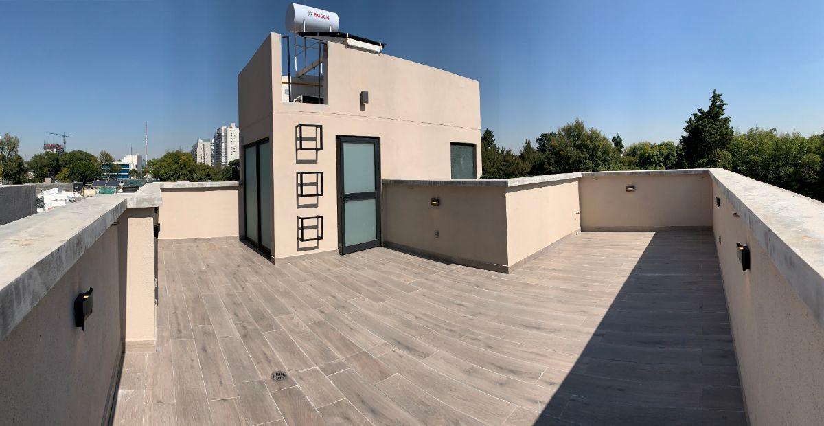 22 de 26: Roof garden con área de lavado