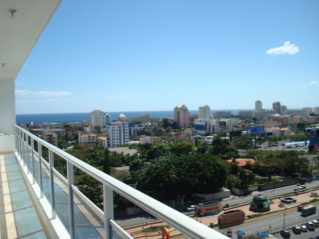 2 de 17: Vista al mar y a la ciudad